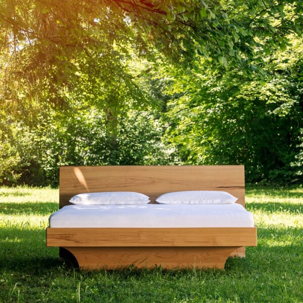 SAMINA Bett in der Natur